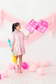 These kinds of DIY suggestions can be really simple to make consider for Craft Party, Diy Party, Party Ideas, Diy Photo Backdrop, Pinata Party, Barbie Party, Girly, Kawaii, Cute Diys