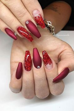 23 Best Red Acrylic Nail Designs of 2019 Looking for some trendy red acrylic nails? These glam nail designs will have your fingers looking fashionable in no time. Glam Nails, Beauty Nails, Cute Nails, Pretty Nails, Red Nail Art, Red Acrylic Nails, Red Glitter Nails, Red Ombre Nails, Red Nail Designs