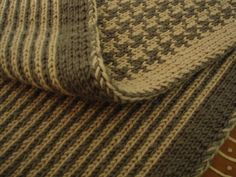 Free Pattern: DTan's Houndstooth/Stripe Double Knit Scarf. Go to 'About this Pattern' on right for link to Man's Double Knit Scarf