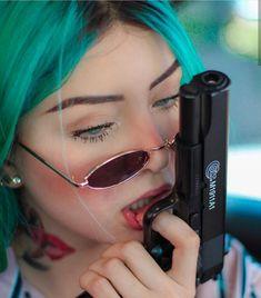 Gun Aesthetic, Bad Girl Aesthetic, Aesthetic Grunge, Stylish Girls Photos, Stylish Girl Pic, Girl Photo Poses, Girl Photos, Tattoo Girl Wallpaper, Fille Gangsta