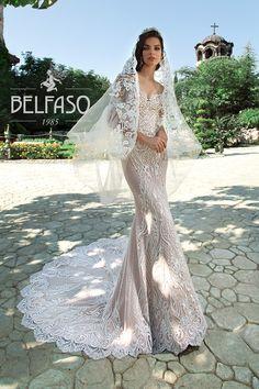 Off Shoulder Long Sleeve Wedding Dress Sexy Mermaid Backless Colored Wedding Gowns, Top Wedding Dresses, Perfect Wedding Dress, Bridal Dresses, Trends 2018, Applique Wedding Dress, Allure Bridal, Long Sleeve Wedding, Schneider
