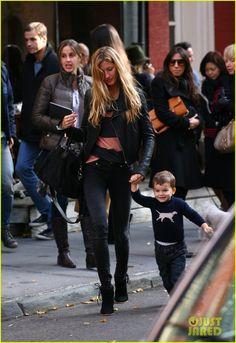 Gisele Bündchen and little Benjamin Brady, New York, it should be me... lol