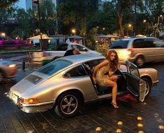 Des jolies filles et des Porsche - Page 391 - PHOTOS - Boxster Cayman 911 (Porsche) Porsche Classic, Classic Cars, Porsche Gt2 Rs, Porsche Club, Porsche Sports Car, Porsche Models, Ferdinand Porsche, Porche 911, Automobile