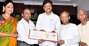 http://www.thehindu.com/todays-paper/tp-national/tp-tamilnadu/special-postal-cover-on-kittappa-pillai-released/article4687825.ece