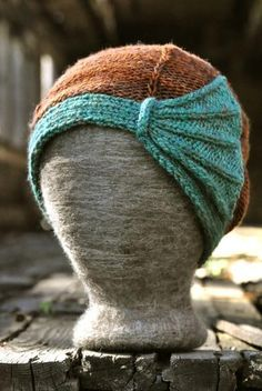 This knit hat on Craftsy, is FREE. Love this!