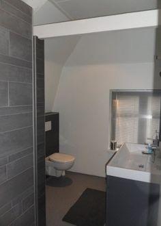 Gietvloer in de badkamer. Heel praktisch en mooi!