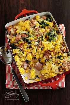 This easy cheesy tuna pasta bake is ready in under 25 minutes, filling and guaranteed to be a huge hit with the whole family!  http://www.slimmingworld.co.uk/recipes/easy-tuna-pasta-bake.aspx