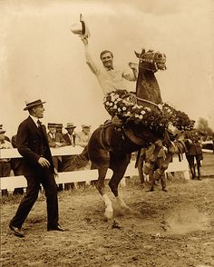 By the 1920s, Tom Mix was America's biggest Western movie star; he ultimately earned more than $900,000 a year before Fox turned him loose in 1928. His horse, Tony, the Wonder Horse, was the first to be given equal billing with his rider.