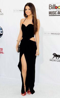 45c43016f0238 Selena Gomaz Cantores, Dicas De Moda, Vestido Longo, Estilo Feminino,  Curtidas,