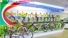 Arredamento negozio a Ferrara: sport e biciclette - Allestimento progettato e realizzato da Effe Arredamenti