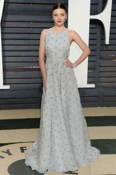 Miranda Kerr in Miu Miu at 2017 Vanity Fair Oscar Party in Los Angeles Miranda Kerr 2017, Miranda Kerr Dress, Miranda Kerr Style, Best Celebrity Dresses, Celebrity Red Carpet, Celebrity Style, Special Dresses, Nice Dresses, Festivals