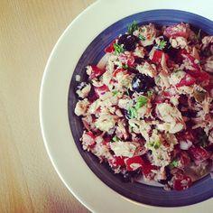 Tonijnsalade met extra tonijn Christoffel Columbus, Healthy Food, Healthy Recipes, Cobb Salad, Acai Bowl, Foods, Breakfast, America, Healthy Foods