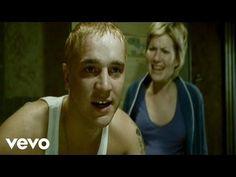 Eminem - Love The Way You Lie ft. Rihanna - YouTube