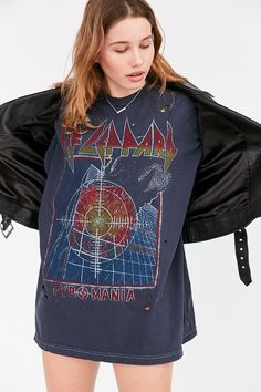 beec8ceec Def Leppard Oversized Tee Destroyed T Shirt, T Shirt And Shorts, Short  Sleeve Tee