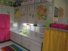 What Happens in First Grade: Classroom Photo Tour!