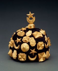 Africa | Crown from the Akan people of Ghana | Velvet, wood and gold lea