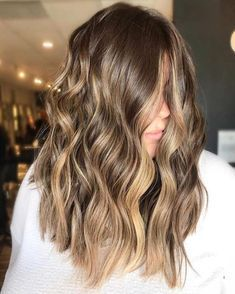 Brunette Hair Color With Highlights, Brown Blonde Hair, Hair Color Balayage, Brown Curls, Honey Balayage, Dark Blonde, Brown Hair With Golden Highlights, Blonde Ombre, Blonde Color