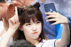 Girl Short Hair, Short Girls, Cute Korean Girl, Asian Girl, Arin Oh My Girl, Kpop Hair, Grunge Girl, Sketch Poses, Ulzzang Girl