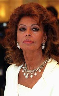 Sophia Loren Finally Explains Why She Gave Jayne Mansfield The Side-Eye