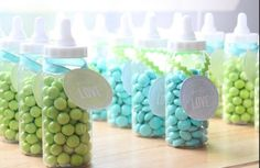Baby shower themes can turn the party into an unforgettable experience. We guarantee endless fun with these 7 classic baby shower themes loved by Baby Shower Gifts For Guests, Baby Shower Favors, Shower Party, Baby Shower Games, Baby Shower Parties, Shower Bebe, Baby Boy Shower, Bar A Bonbon, Fiesta Baby Shower