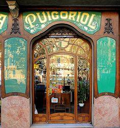 Barcelona - Mallorca 312 a | Farmàcia Puigoriol 1914 Archite… | Flickr