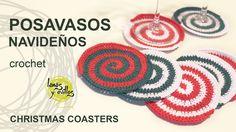 http://www.lanasyovillos.com Tutorial de cómo hacer unos posa vasos muy originales en forma de espiral tejidos a crochet en colores navideños. Encuentra este...