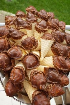 To je tá… Christmas Sweets, Christmas Baking, Sweet Desserts, Sweet Recipes, Y Recipe, Czech Recipes, Xmas Cookies, Food Dishes, Baking Recipes