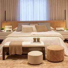 arquitetura do imóvel: Cama na parede da janela... Master Bedroom Interior, Dream Bedroom, Home Bedroom, Bedroom Decor, Apartment Color Schemes, Home Room Design, Suites, Guest Bedrooms, Beautiful Bedrooms