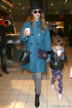 Jessica Alba at Charles de Gaulle Airport in Paris, France - March 1, 2013