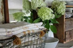 Love the wire basket to hold dish towels :-)