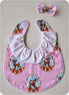 Pedacinhos de Arco Íris: Babetes para menina, baby girl bib, bambi, hairbow