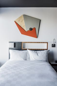 The Alt Hotel Montreal Griffintown is located in a large real-estate complex in one of the most lively districts of Montreal. Montreal Architecture, Architecture Design, Hotel Lobby, Room Art, Hospitality, Bedding, Modern, Furniture, Home Decor