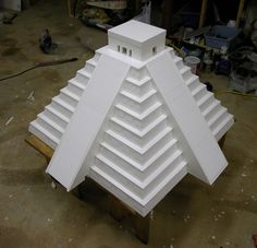 Related image Pyramid School Project, Aztec Architecture, Aztec Temple, Simple Poems, Spanish Projects, Project Steps, Tabletop Fountain, Minecraft Creations, Mesoamerican