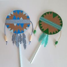 Super music diy instruments for kids Ideas Kids Crafts, Diy And Crafts, Diy With Kids, Paper Crafts Magazine, Homemade Instruments, Indian Crafts, Indian Diy, Native American Crafts, Camping Crafts