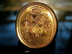 18KT Gold Vintage Signet Ring w Coat of Arms Crest 18K Estate Jewelry via Etsy