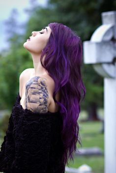 hair, hair color, purple hair, purple Should I keep letting my hairs grow though? Dark Purple Hair, Hair Color Purple, Deep Purple, Hair Colors, Pink Hair, Magenta Hair, Purple Style, Purple Haze, Black Hair