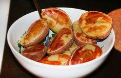 Печёный картофель с укропно-чесночным маслом
