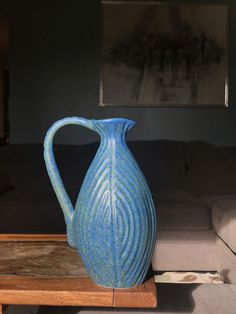 Art Deco American Art pottery Ming Blue Vase 1910's Early American, American Art, Art Deco Pattern, Art Deco Era, Pottery Making, Art Deco Design, Pottery Vase, Arts And Crafts, Pictures