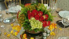 g Centro de mesa elegante y fresco