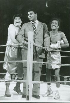 Muhammad Ali, Bob Hope and Sammy Davis Jr. Muhammad Ali Boxing, Muhammad Ali Quotes, Sting Like A Bee, Float Like A Butterfly, Sports Personality, Bob Hope, Sport Icon, Sports Figures, African American History