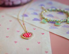 DIY gift wrapping with a ♥ by Bijou Brigitte blog.bijou-brigitte.com