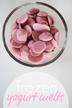 Frozen yogurt drops- Put yogurt in plastic baggie, cut hole in corner, make drops of yogurt on a wax-paper-lined cookie sheet, freeze, DONE. They look like candy melts. Frozen Yogurt Drops, Frozen Yogurt Bites, Healthy Snacks For Kids, Healthy Treats, Healthy Drinks, Healthy Food, Baby Food Recipes, Snack Recipes, Dessert Recipes