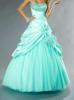 This is my sweet sixteen dress !! <3 ^0^