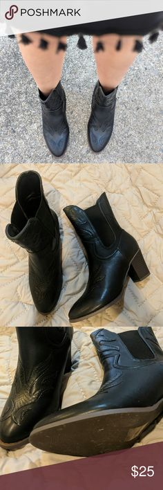 Missguided faux leather boots Black, faux leather boots. Snake pattern detail, chunky heel, size 8. New without box, only worn for pictures. NO Trades. Missguided Shoes Ankle Boots & Booties