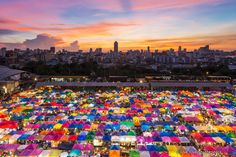 Rot Fai Market (Train Market) in Bangkok is an authentic open-air bazaar selling an incredible array of vintage collectables and memorabilia from yesteryear, from antique furniture to hippy fashion and Mao kitsch. With three sections to this huge market space, there are also many traders selling