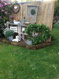 Best Garden Decorations Tips and Tricks You Need to Know - Modern Garden Junk, Garden Yard Ideas, Garden Crafts, Diy Garden Decor, Lawn And Garden, Backyard Renovations, Backyard Lighting, Garden Landscape Design, Yard Design