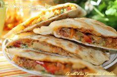 Salam alaykoum, bonjour tout le monde... ET voici une autre tuerie pour un repas complet... une recette turque !! Accompagner d'un bon verre de thé à la menthe, d'une bonne soupe maison, une chorba ou de notre traditionnel harira, je vous conseil vivement... Turkish Recipes, Asian Recipes, Ethnic Recipes, Plats Ramadan, Burritos, Enchiladas, Pizza Sandwich, Turkish Kitchen, Savory Crepes