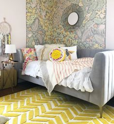 7 Definitive Cases For Bright Rugs In Your Space Wallpaper Shelves, Dining Room Wallpaper, Living Room Lighting, Living Room Decor, Teen Furniture, Lounge Furniture, Cool Rugs, Bedroom Wall, House Colors