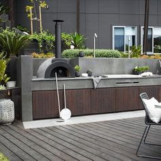 More from this month s feature project - amazing wood fired oven and outdoor kitchen Designed by hareklein landscape by harrisonslandscaping Outdoor Kitchen Patio, Casa Patio, Pizza Oven Outdoor, Outdoor Kitchen Design, Outdoor Cooking, Outdoor Rooms, Patio Design, Backyard Patio, Outdoor Living