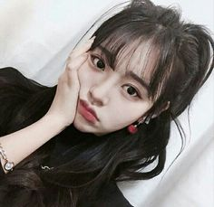 Image about girl in ♁♁♁ by baekurae on We Heart It Ulzzang Hair, Ulzzang Korean Girl, Cute Korean Girl, Asian Girl, My Hairstyle, Cute Hairstyles, Korean Hairstyles, See Through Bangs, Cute Bangs